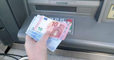 La Banque de France redoute une ruée sur les distributeurs de billets