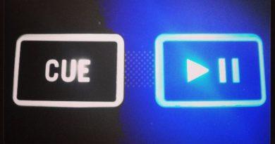 play pause