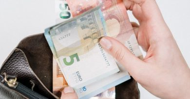 Payer ses achats en ligne en espèces : le futur du commerce en ligne ?