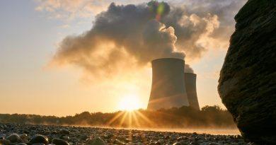 Les plus vieux réacteurs nucléaires rempilent pour 10 ans
