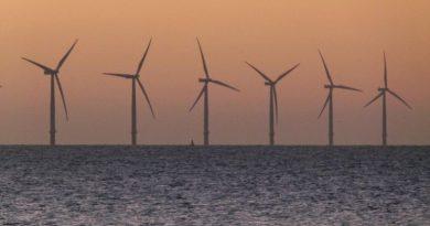 Eolien en mer: Un carcan de fer et de béton sur le littoral français